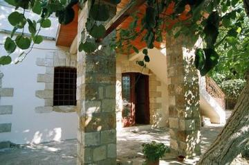Property independent house chorio