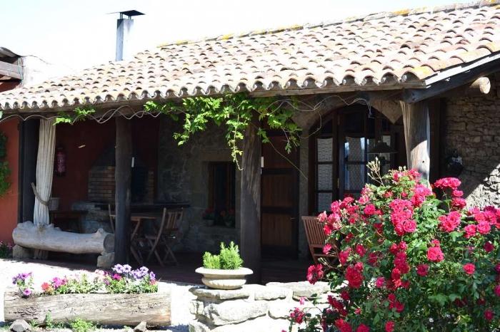 Villa / house Masoviera brugaloras 34119 to rent in Castellterçol