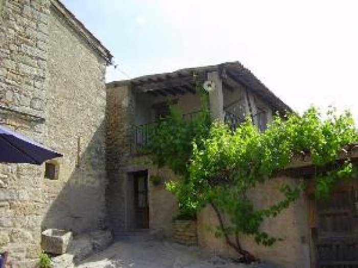 Accommodation in a villa / house Caseta brugarolas 34118 to rent in Castellterçol