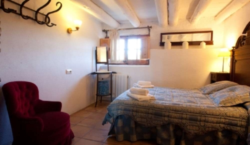 Accommodation in a villa / house caseta brugarolas 34118 to rent in castellterçol