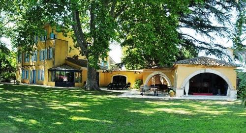 Villa / Maison Oppede à louer à Oppede