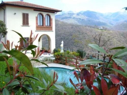 villa in Loro Ciuffenna, view : Countryside