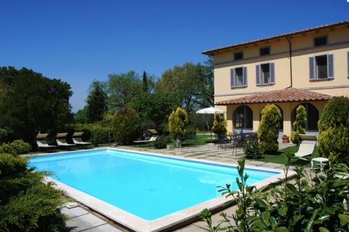 Villa / Maison Alcone  à louer à Chiusi