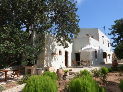 Independent house Archaio to rent in Perama, Crete