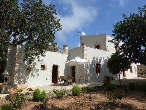 Rental independent house archaio