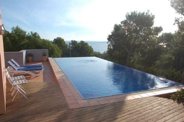 Property villa / house artemis