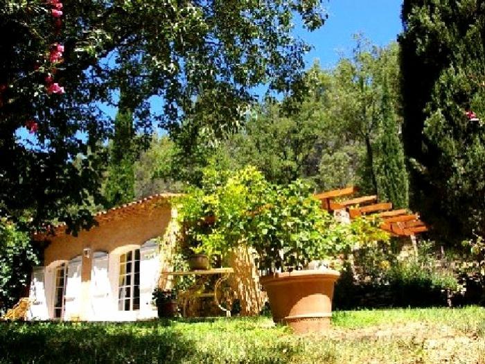 Villa / Maison Salernes à louer à Salernes