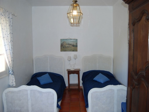Reserve villa / house salernes