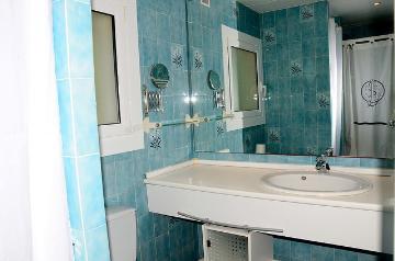Rental villa / house montgri