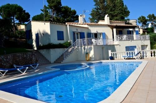 Villa / house montgri to rent in estartit