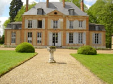 Chateau Normandie  to rent in Evreux
