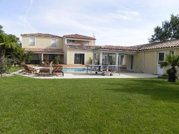 Property villa / house vergeze