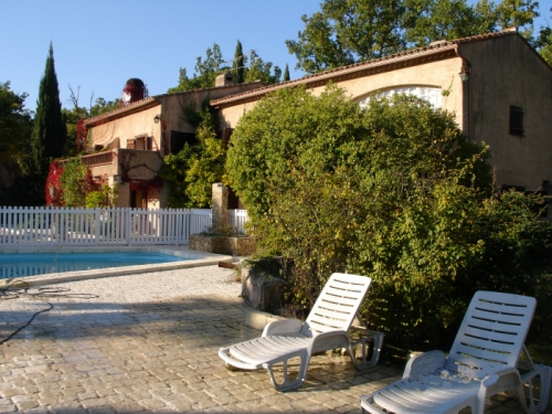 villa à Bagnols en Forêt, vue : Campagne