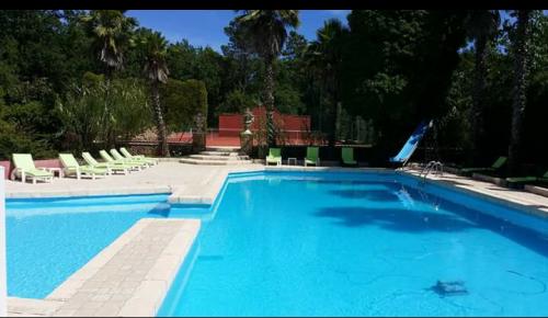 Villa / house Bagnols en foret to rent in Bagnols en Foret