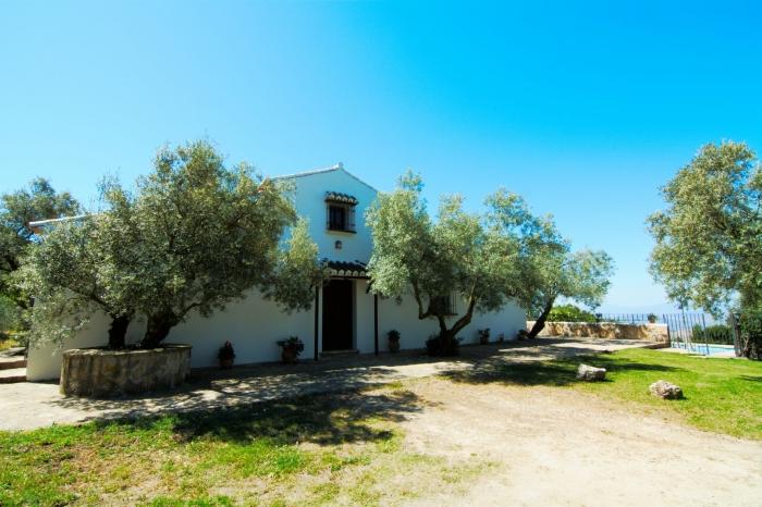Villa / house Cortijo los olivos to rent in Las Nogales (Antequera)