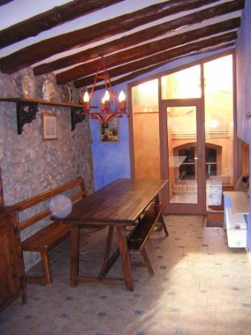 Villa / house mas aixola 30301 to rent in torrelles de foix