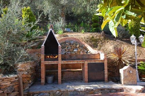 Villa / house el retiro to rent in casabermeja (malaga)