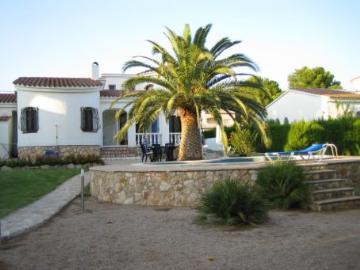 Reserve villa / house olga