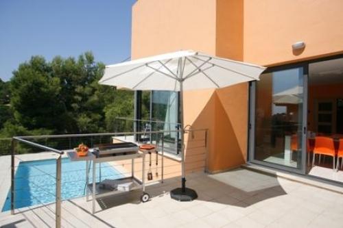 Villa / house color to rent in tamariu