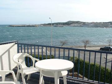 Property apartment passeig del mar