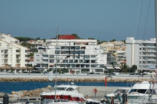 Apartment passeig del mar to rent in la escala