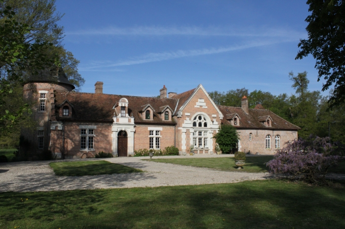 Chateau Lamotte beuvron to rent in Lamotte Beuvron