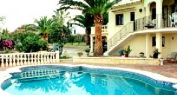 Enclosed garden villas