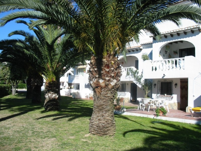 Villa / terraced or semi-detached house Florida park ii to rent in Moraira