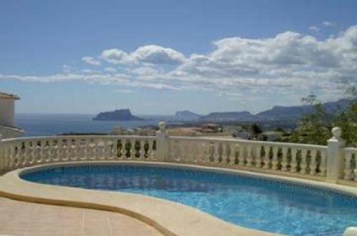Villa / Maison 144-k à louer à La Cumbre del Sol