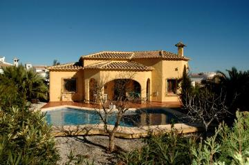 Villa / Maison 20-f à louer à La Cumbre del Sol