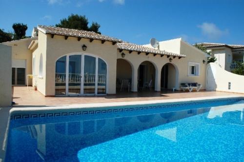 Villa / Maison 75-a à louer à La Cumbre del Sol
