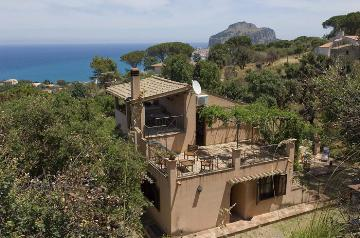 Villa / house Le logis to rent in Cefalu