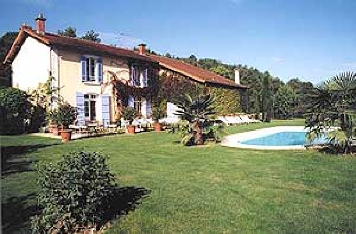 Villa / house Sers to rent in Angoulème