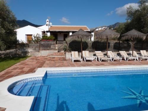 Villa / house finca del rio to rent in villanueva de la concepcion (antequera)