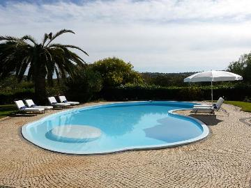 Rent villa / house  portugal