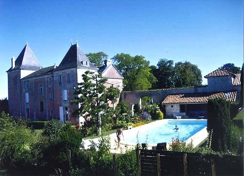Villa / Maison Le maine roux à louer à Fouquebrune