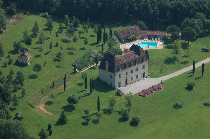 Chateau Les calpres to rent in Gourdon