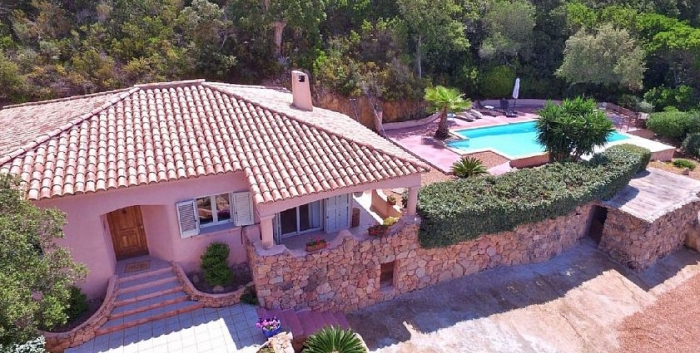 Villa / house Bluette to rent in Figari