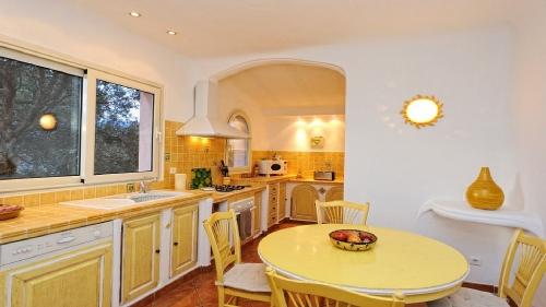 Villa / house bluette to rent in figari