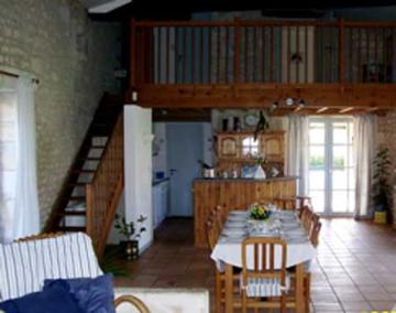 Villa / house domaine du chas to rent in pons
