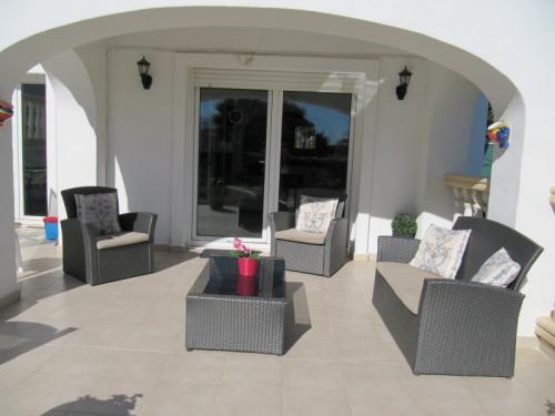 Reserve villa / terraced or semi-detached house casa blanca