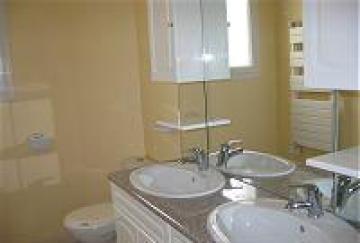 Villa / house royan - pontaillac to rent in royan