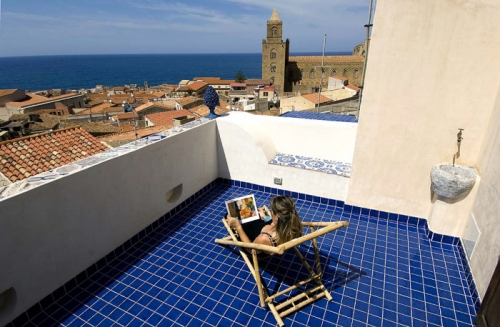 Villa / terraced or semi-detached house Mer et ciel to rent in Cefalu