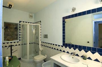 Rent villa / terraced or semi-detached house  italy