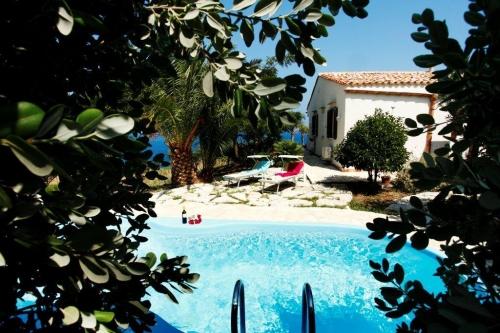 Villa / Maison Ginestra à louer à Castellammare del Golfo