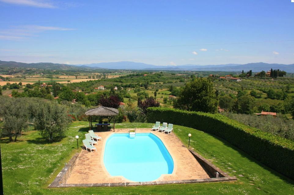 Location villa monte san savino 8 personnes ita605 for Maison du monde 57 avenue d italie