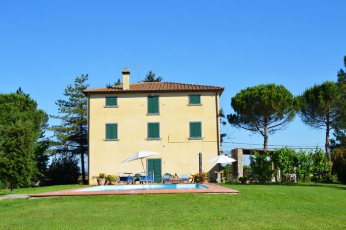 Villa / house Canta to rent in Cortona