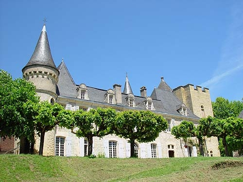 France : GC24 - Chateau périgourdin