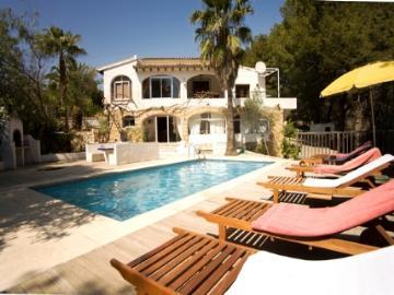 Villa / house SAMBA to rent in Altea