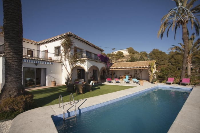 Villa / house Sandra to rent in Altea